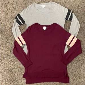 2 long sleeve light weight sweaters